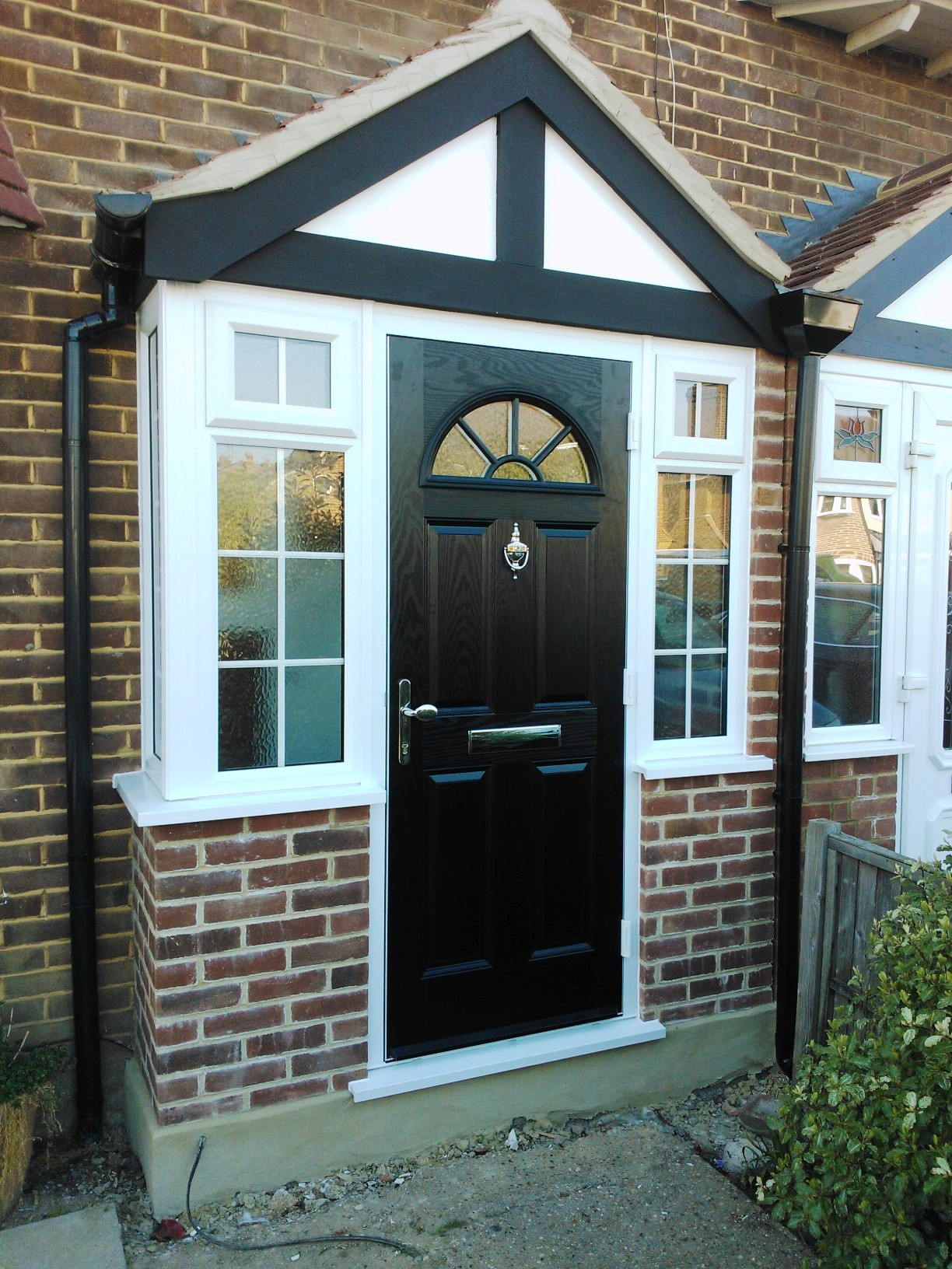 Composite front doors composite doors platinumnrg for Front door patio ideas